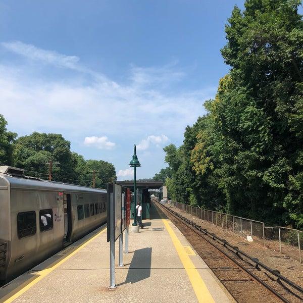 Photo taken at Metro North - North White Plains Station by Daewook Ban on 8/6/2018