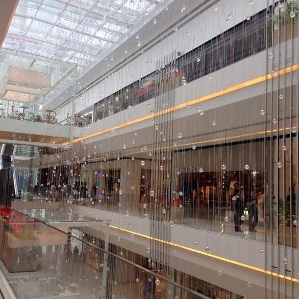 Photo taken at Shopping JK Iguatemi by Katia M. on 11/16/2013