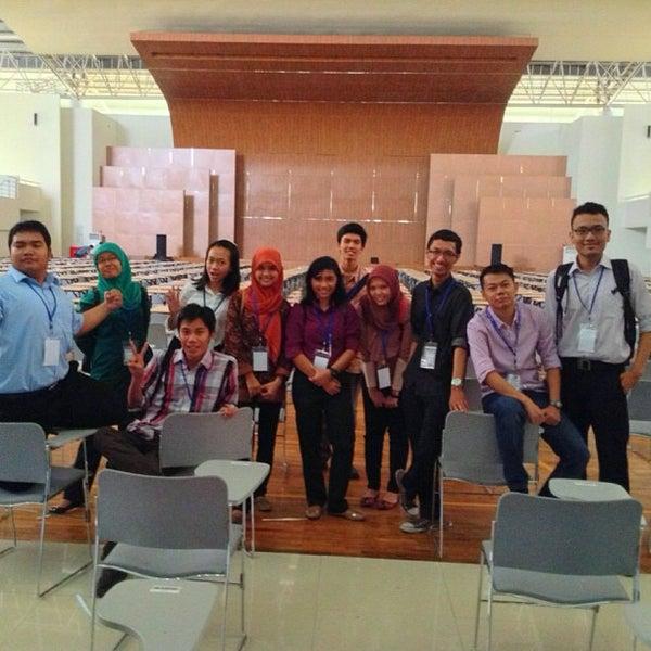 Photo taken at Sekolah Tinggi Akuntansi Negara (STAN) by Nadya K. on 7/21/2013