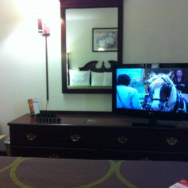 photos at super 8 aurora motel in aurora