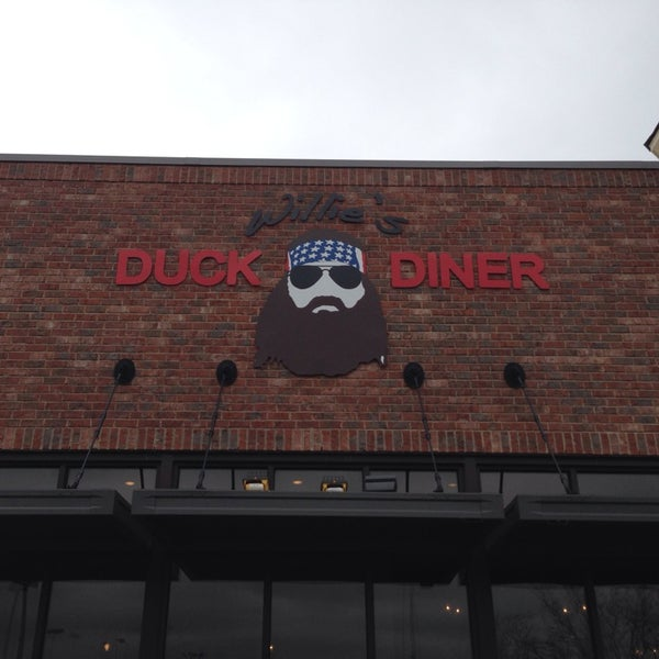 Photo taken at Willie's Duck Diner by Mel R. on 3/17/2014