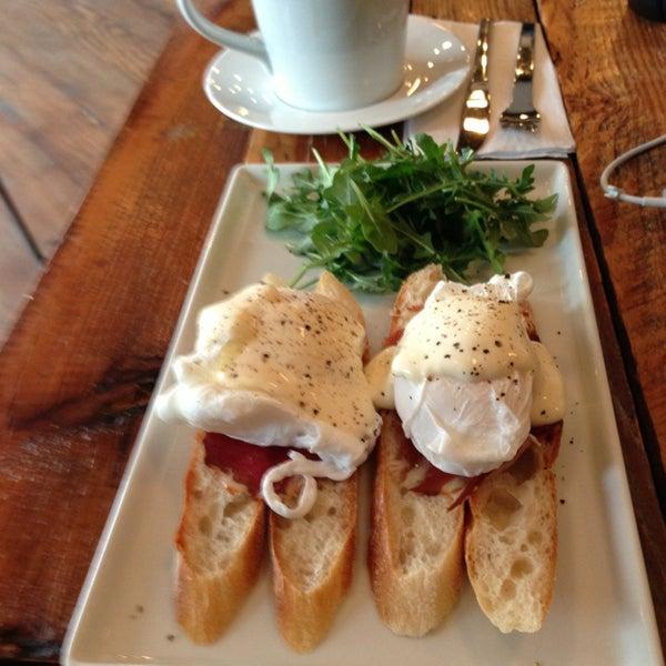 Foto tomada en Gaslight Coffee Roasters por Noel S. el 1/30/2013