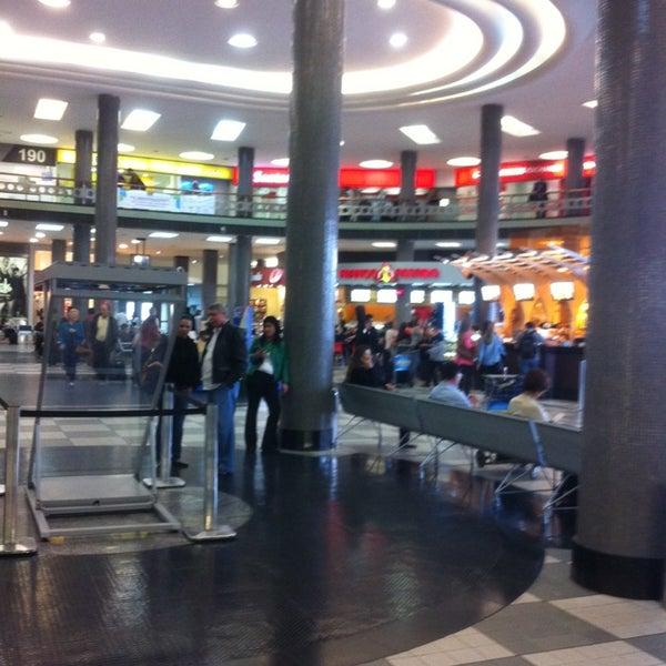 Снимок сделан в Международный аэропорт Конгоньяс/Сан-Паулу (CGH) пользователем Gabriel Torres A. 11/7/2013