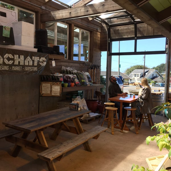 Photo taken at Yachats Brewing + Farmstore by Kerry F. on 9/4/2015