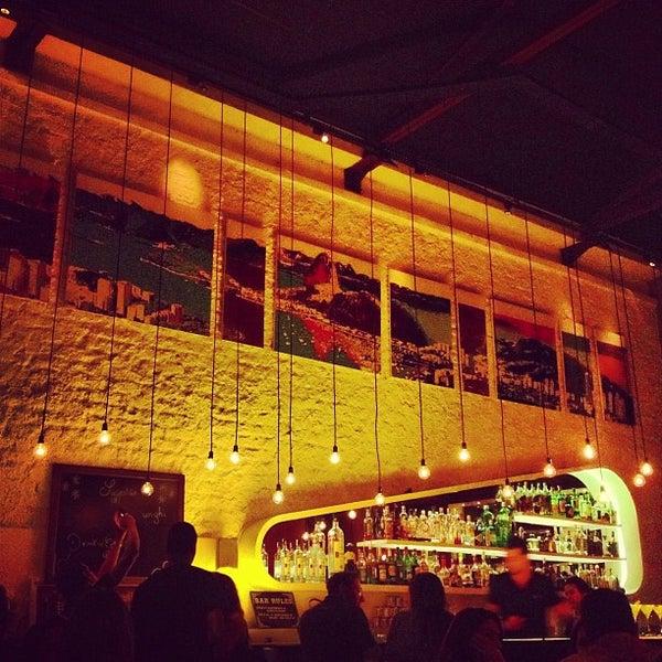 Foto scattata a Meza Bar da Andre S. il 6/15/2013