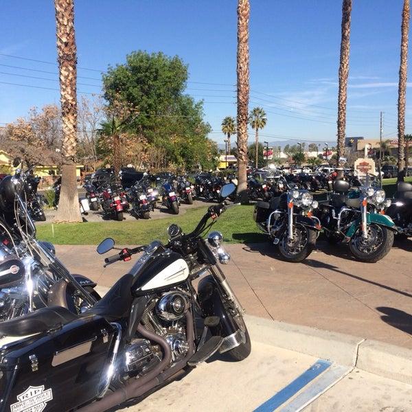 Foto tomada en Riverside Harley-Davidson por Sergio R. el 1/11/2014