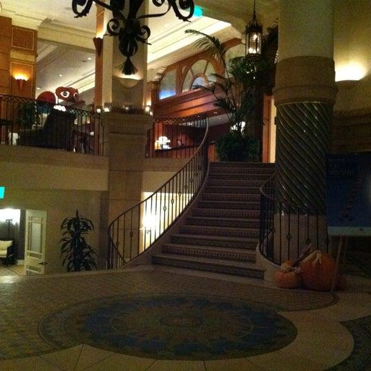 รูปภาพถ่ายที่ Casa Del Mar Hotel โดย Steve-O เมื่อ 10/22/2012
