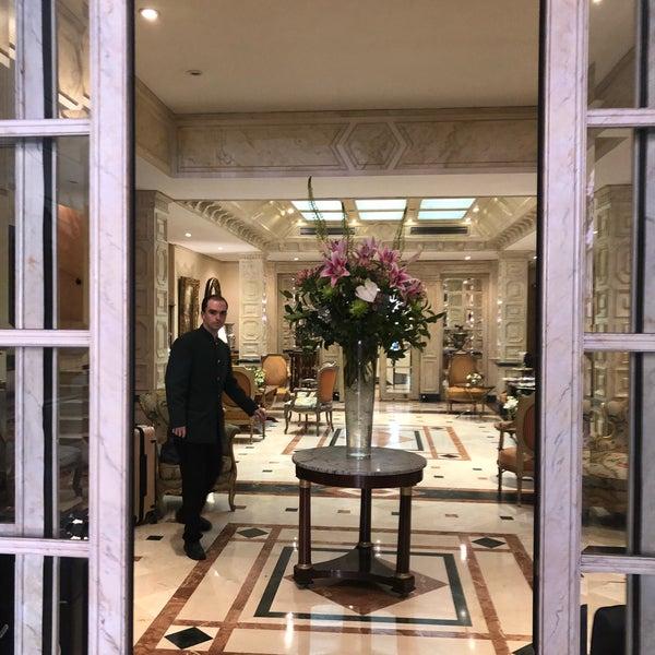 Снимок сделан в Hotel Orfila пользователем HY K. 7/7/2018