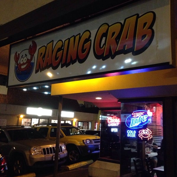 Photo taken at Raging Crab by shohei f. on 8/28/2014