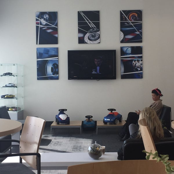 Photo taken at BMW of Beverly Hills Service Department by MUBARK A. on 2/9/2017