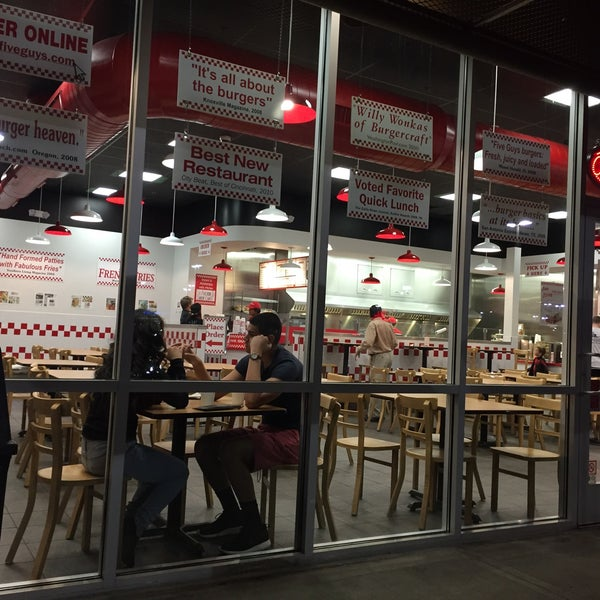 Photo taken at Five Guys by Gary on 2/15/2016