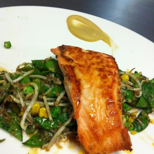 Foto tomada en Jaso Restaurant por Héctor G. el 12/23/2012