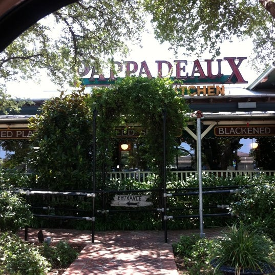 Photo taken at Pappadeaux Seafood Kitchen by Joe S. on 5/17/2012