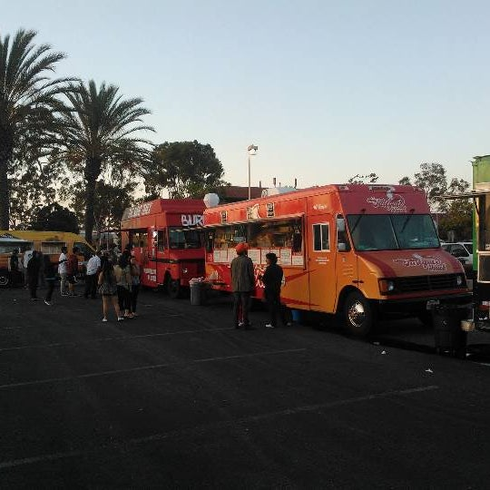 Sport Chalet Huntington Beach Food Trucks
