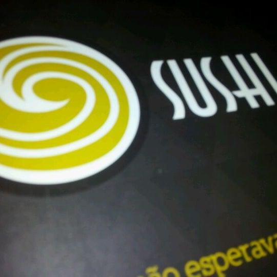 Foto tirada no(a) Brava Sushi por TaTi K. em 4/4/2012