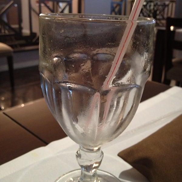 Foto tirada no(a) Paulinho's Grill por Michel C. em 8/8/2012