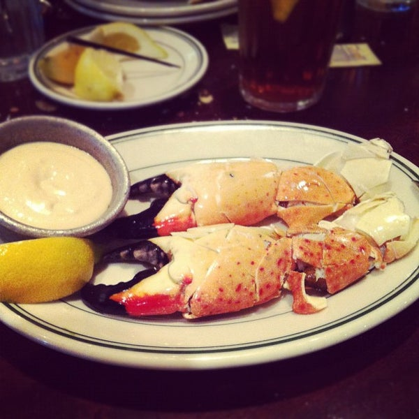 Photo prise au Joe's Seafood, Prime Steak & Stone Crab par Adam F. le7/29/2012