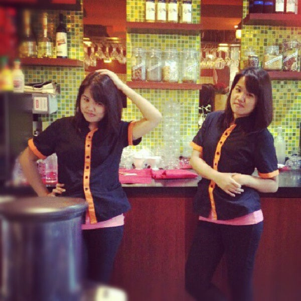Photo taken at Alcove. Asian Restaurant. Bar by iammay on 7/14/2012