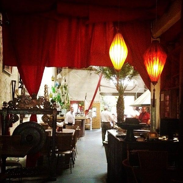 Foto tirada no(a) Tantra Restaurante por Luciana N. em 3/10/2012