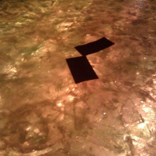 Das Foto wurde bei Sycamore Flower Shop + Bar von Holden K. am 2/24/2012 aufgenommen