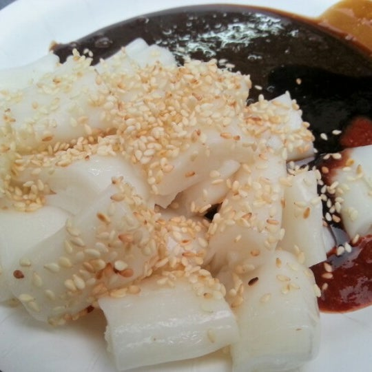 Photo taken at New Lane Hawker Stalls by Chan W. on 8/30/2012