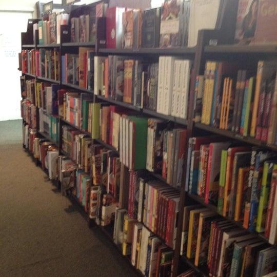 Foto tomada en Barnes & Noble por Patrick M. el 8/30/2012