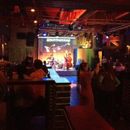 Снимок сделан в Glastonberry Pub пользователем Andrew L. 3/10/2012