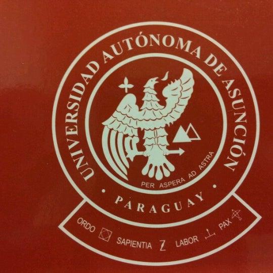 Foto tomada en Universidad Autónoma de Asunción por Rodri A. el 8/31/2012