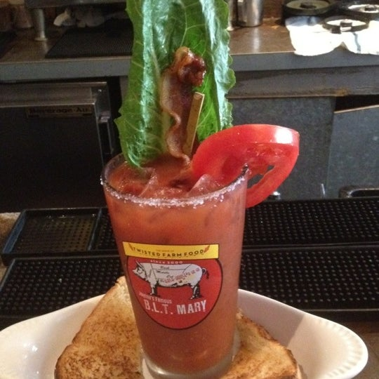 Photo taken at Hash House a Go Go by Mitchell T. on 7/20/2012