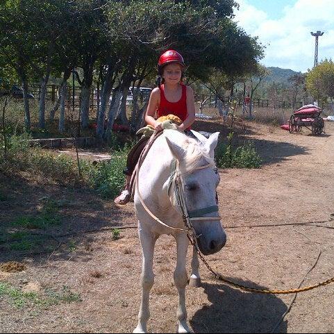 7/29/2012 tarihinde Pinar H.ziyaretçi tarafından AtlıTur At Çiftligi'de çekilen fotoğraf