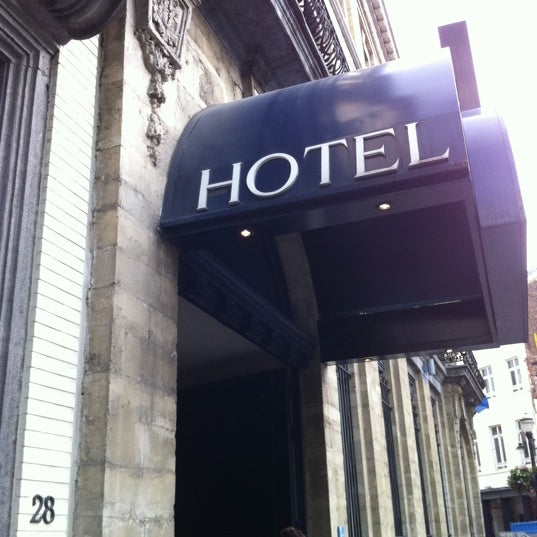 Photo taken at Atlas Hotel Brussels by Maew A. on 6/21/2011
