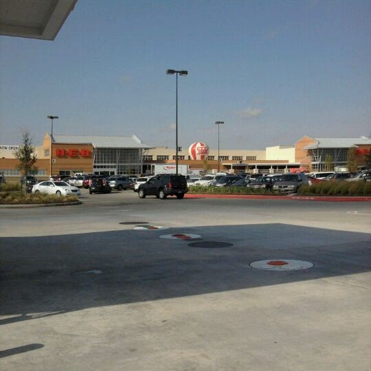 Photo taken at H-E-B by Chelle B. on 9/14/2011
