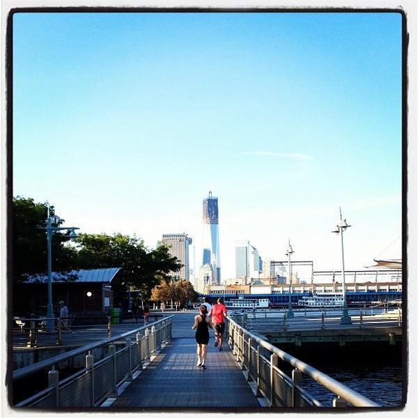 Das Foto wurde bei Hudson River Park von @HungryEditor B. am 8/13/2012 aufgenommen