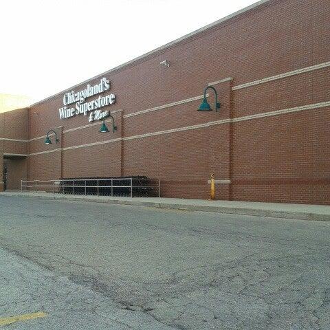 รูปภาพถ่ายที่ Binny's Beverage Depot โดย Justin K. เมื่อ 7/21/2012