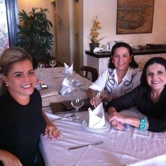 Foto tirada no(a) Casa Nostra por Samara B. em 2/21/2012