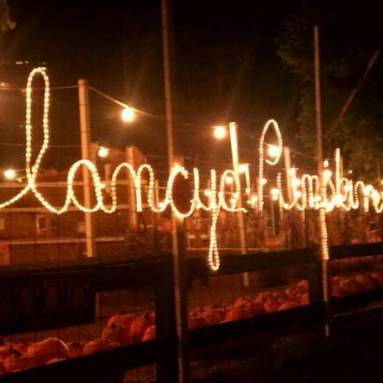 Photo taken at Clancy's Pumpkin Patch by E M. on 10/28/2011