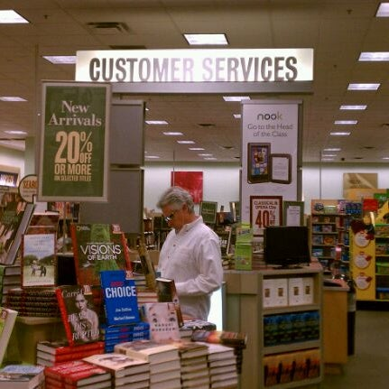 Photo taken at Barnes & Noble by Deborah J. on 10/30/2011
