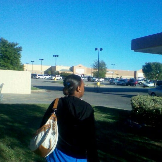 Photo taken at Walmart Supercenter by Anthony T. on 10/19/2011