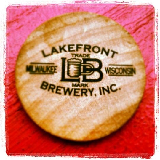 Photo prise au Lakefront Brewery par TQ . le7/1/2012