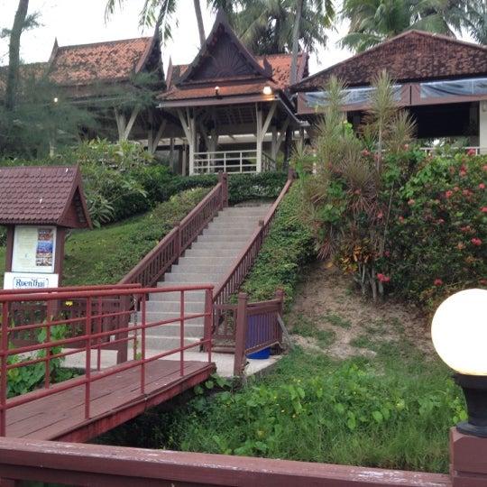 Photo taken at Dusit Thani Laguna Phuket by Nukit K. on 6/26/2012