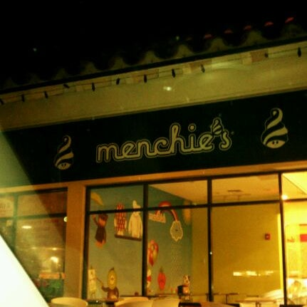Photo taken at Menchies by Melissa H. on 11/30/2011