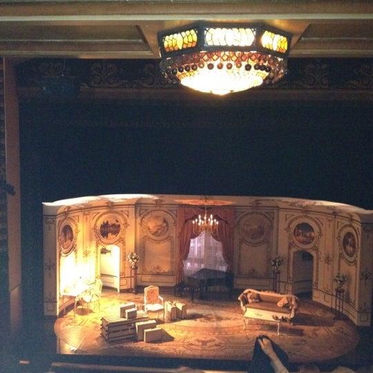 รูปภาพถ่ายที่ Belasco Theatre โดย Peggy S. เมื่อ 3/20/2012