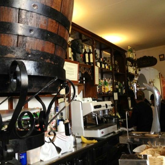Foto tomada en Casa Pepe de la Judería por Carolina F. el 3/10/2012