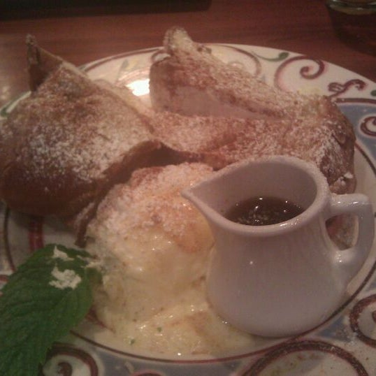 Photo taken at Miss Shirley's Cafe by Heather on 9/11/2011