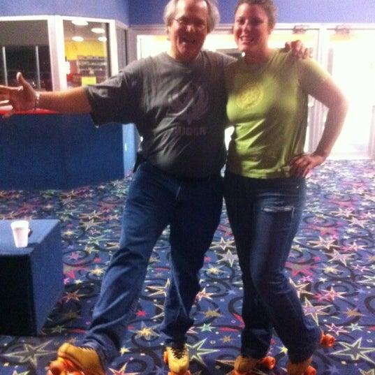 Das Foto wurde bei Skate Town von Crystal Gel D. am 2/27/2012 aufgenommen