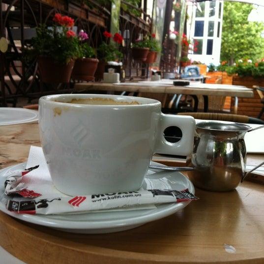 Das Foto wurde bei Café Bon Apрétit von Татьяна С. am 6/27/2012 aufgenommen