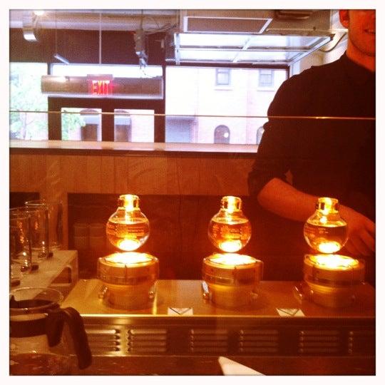 Снимок сделан в Blue Bottle Coffee пользователем Pichet O. 5/9/2012