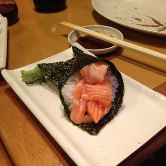 Foto tirada no(a) Sushi Koba por Guilherme M. em 4/25/2012