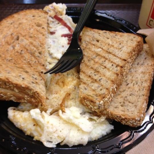 3/22/2012에 Shawn L.님이 Gigi Cafe에서 찍은 사진