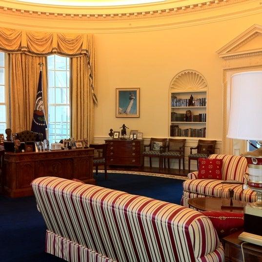 Foto tomada en William J. Clinton Presidential Center and Park por Jayson el 8/20/2011